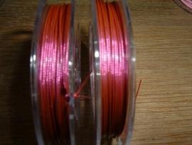 Gecoat staaldraad 0,45 mm. in de kleur oud roze/fuchsia