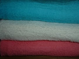 Badhanddoeken  50 x 100 cm. in 3 mooie kleuren.