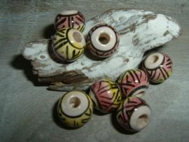 Mooie ronde indianenkralen van 8 x 10 mm.