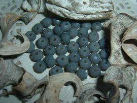 25 Stuks mooie Top Facet kralen in blauwgrijs van 6 x 4 mm.