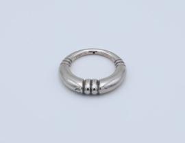 Mooie grote zilverkleurige ringen van 35 mm. (nr.23086)