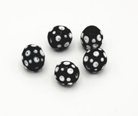 Mooie ronde zwarte kralen met witte spikkels 14 mm.