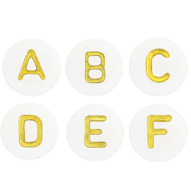 Ronde off white letterkralen met gouden letters
