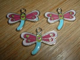 Leuke vrolijk gekleurde metalen vlinder hangertjes