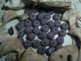 25 Stuks mooie Top Facet kralen in grijsviolet van 6 x 4 mm.