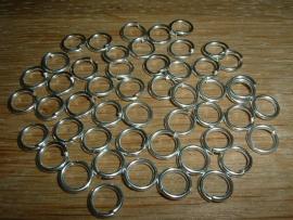 50 Stuks mooie zilverkleurige ringetjes 8 mm.