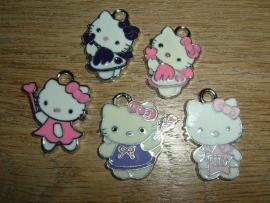 Leuke Hello Kitty hangertjes in vrolijke kleurtjes