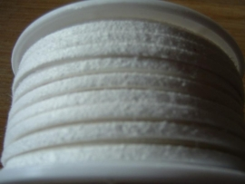 Mooie witte imitatie suede veters
