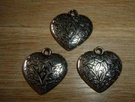 Mooie hangers in de vorm van een hart met een mooi motiefje (T 19)