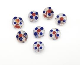Mooie platte ronde glaskralen met rood, wit en blauwe stippen