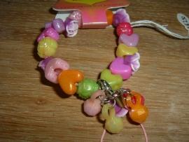 Vrolijk gekleurde hartjes armband