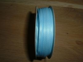 Mooi dubbelzijdig satijnlint 4 mm. in de kleur lichtblauw