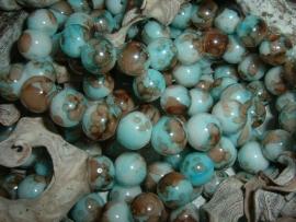 25 Stuks mooie gemêleerde aquablauw/bruine glaskralen 10 mm.
