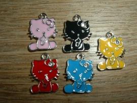Leuke kleine Hello Kitty hangertjes in verschillende kleuren