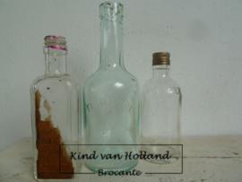 Setje van 3 oude flesjes *