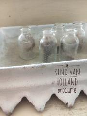 Klein flesje met veertje  *