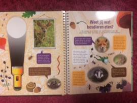 Zaklantaarnboek : Speuren in het bos