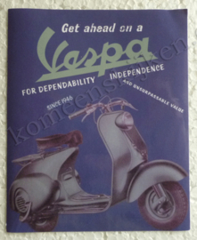 get ahead on a vespa blauw