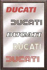 muurspiegel 5 Ducati logo's