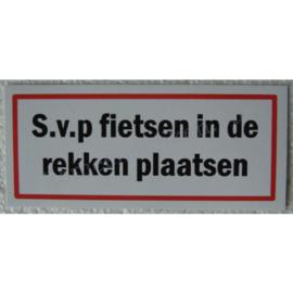 sticker s.v.p. fietsen in de rekken plaatsen 12,5 cm.