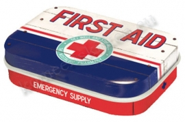 mint box first aid blauw
