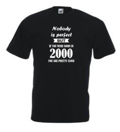 T-shirt - zwart - Nobody is perfect - jaar 2000 - maat L