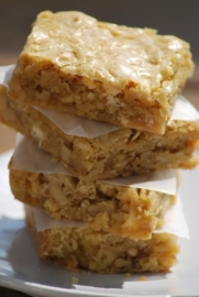 blondies macadamia