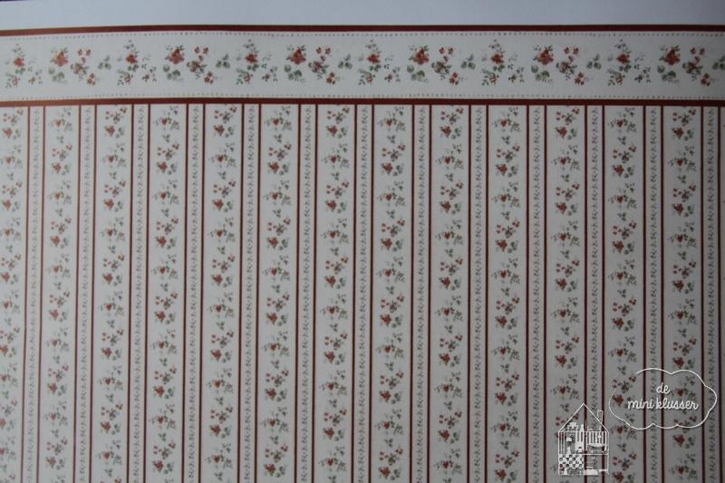Behang rode bloem