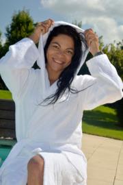 Witte badjas met capuchon