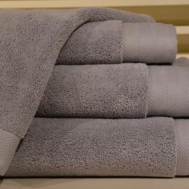 Luxe handdoeken Lichtgrijs 700 grams 60 x 110 cm