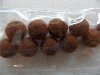 wolballen bruin 10mm per 10 stuks