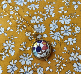 Pendant Liberty Berry Golden Necklace