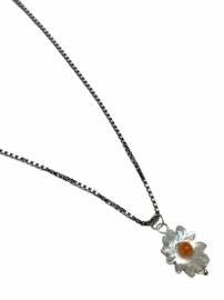 Little Daisy Necklace