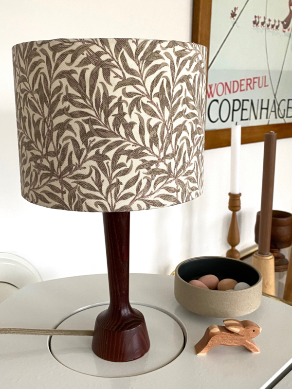 Ramas Sweden & Dark Wood Lamp