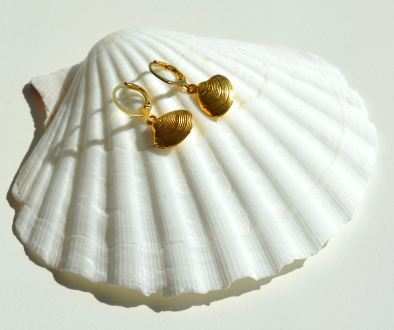 Golden Shell Earrings