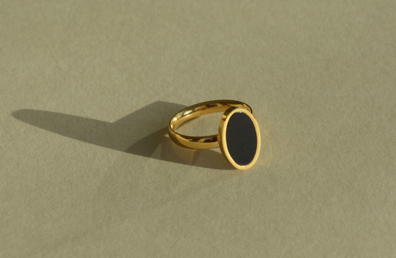 Ovale Black & Gold Ring