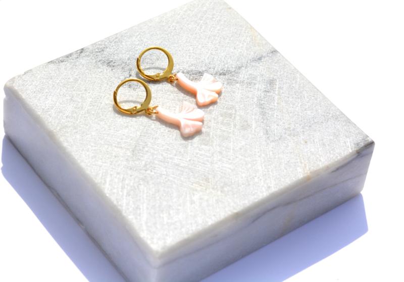 Ginkgo Shell Earrings