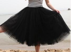 Leuke zwarte meerlaagse petticoat.