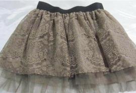 Mooi bruin kanten mini rokje / petticoat.