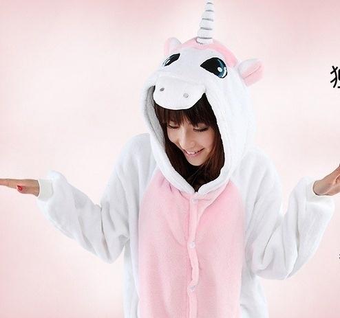 Eenhoorn onesie, onepiece, jumpsuit, pyjama.