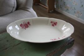 mooie grote ovale schaal met rode bloemen