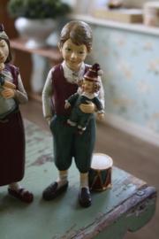 """prachtig beeld """"Willem met zijn pop"""""""