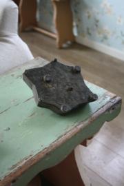 oude houten stempel L