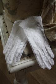 fraaie wit kanten kinderhandschoenen