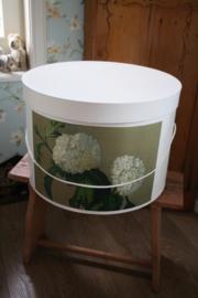 prachtige hoedendoos met witte hortensia/ Annabelle XL