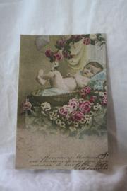 """kaartje van handgeschept papier """"tussen de rozen"""""""