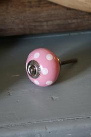 mooie roze kastknop met stippen