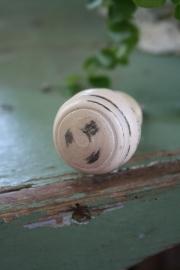 """mooie nostalgische houten kastknop """" beige/ nude"""""""