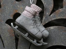 mooie hanger met schaatsjes