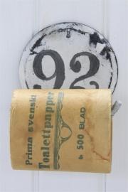 stoere metalen toiletrolhouder met cijfer van Jeanne d` Arc Living